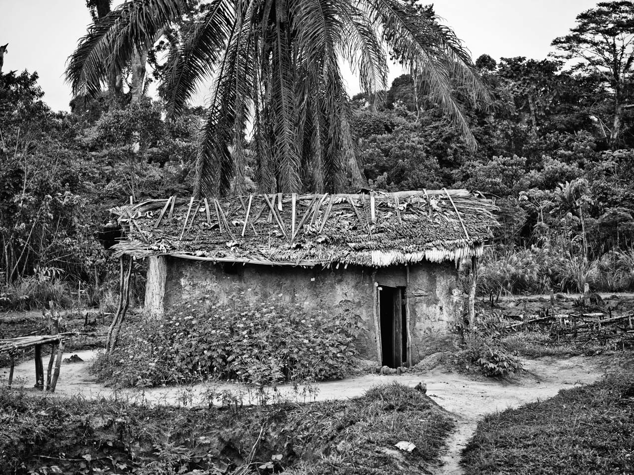 Bikoro Hut 6
