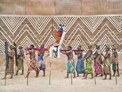 Walé Oyombé, Nkúmu