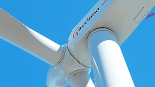BLOOMBERG: Acciona to build 805.5 megawatts of wind power in North America
