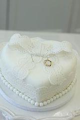 シュガーケーキ,シュガークラフト,リングピロー,ウェディングケーキ,オーダーケーキ,花嫁様手作り,ピンク,リボン,水玉