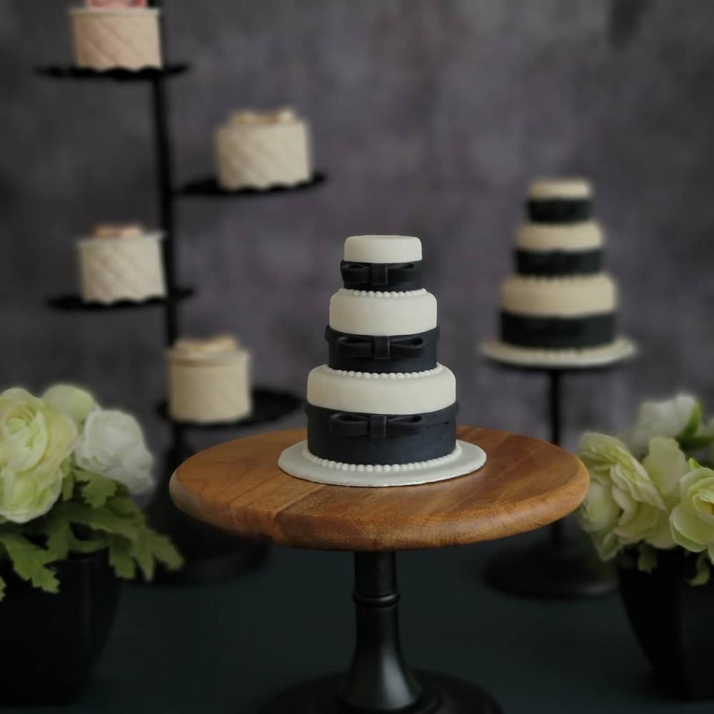 シュガークラフトミニウェディングケーキ、オーダーケーキ