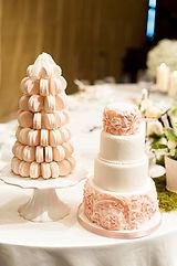 シュガークラフトウェディングケーキ,オーダーメードウェディングケーキ,花嫁様手作り,ピンク,リボン,マカロンタワー,薔薇