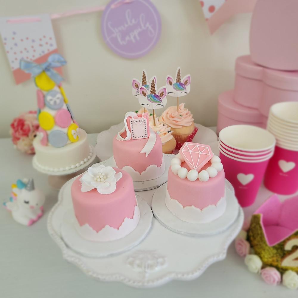 アニバーサリーケーキ認定講座、誕生日ケーキ、シュガークラフトケーキ