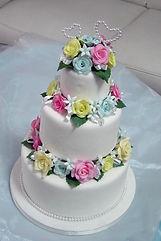 シュガークラフト,ウェディングケーキ,オーダーケーキ,オーダーメードウェディングケーキ,花嫁様手作り,ピンク,リボン,薔薇,ハート