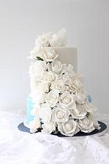 シュガークラフトウェディングケーキ,オーダーメードウェディングケーキ,花嫁様手作り,ピンク,リボン,ばら,ガラスの靴