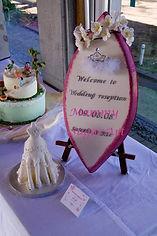 シュガークラフトウェディングケーキ,オーダーメードウェディングケーキ,花嫁様手作り,ピンク,リボン,サーフボード,ウェルカムボード