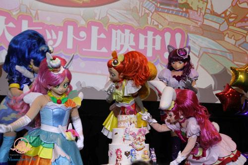 『映画キラキラ☆プリキュアアラモード』舞台挨拶用のシュガークラフトケーキ