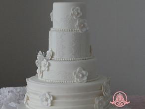 花嫁様手作りのウェディングケーキ