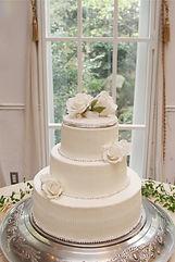 シュガークラフトウェディングケーキ,オーダーメードウェディングケーキ,花嫁様手作り,ホワイト,リボン,水玉