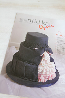 「二期会」(オペラ協会誌)表紙掲載シュガークラフトケーキ