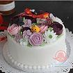 お花絞りのバタークリームケーキ