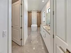 Gloss white bath