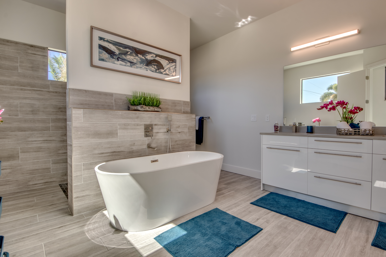 Master-Bathroom Gloss white cabinets