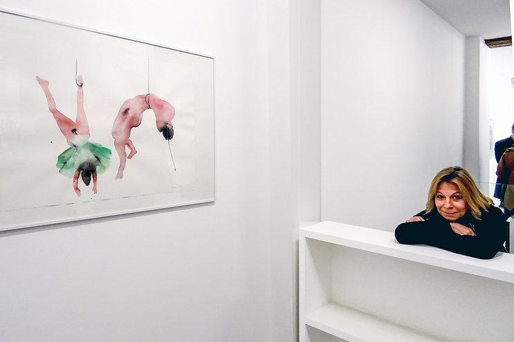 Florence Lucas lors de l'exposition collective à la Galerie Bertrand Grimont.