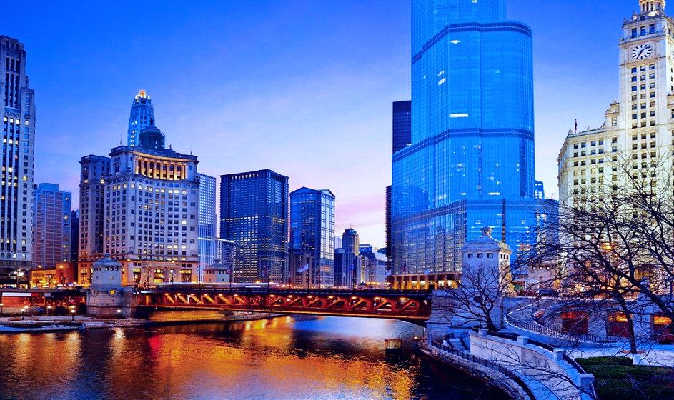 Chicago_Riverwalk_650x_crop_left_2x_edited.jpg