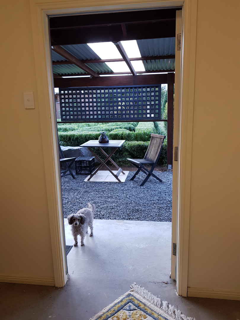 Q-bedroom entrance