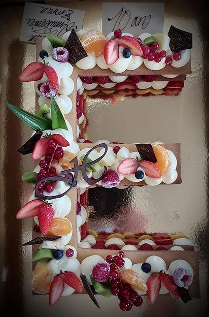 hatsboulangerie-patisserie-Letter-cake-E