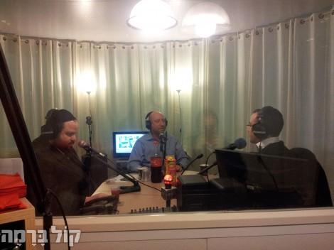 המפיק יוסי טיברג מארצות הברית מתארח בשידור.jpg