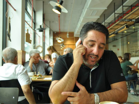 מי זה יואב שיינר? האיש שמוחק את החובות לאלפי בתי אב בישראל