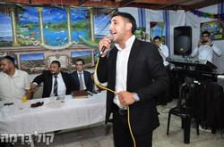 הזמר אביחי חגג שידור מסוכת ראש עיריית בית שמש משה אבוטבול.jpg