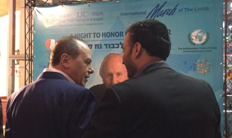 משה מרצ'לו עם חבר הכנסת סילבן שלום