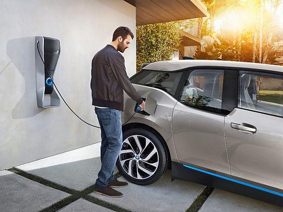 Quebec-Home-EV-Charging-BMW-i3-2-889x668