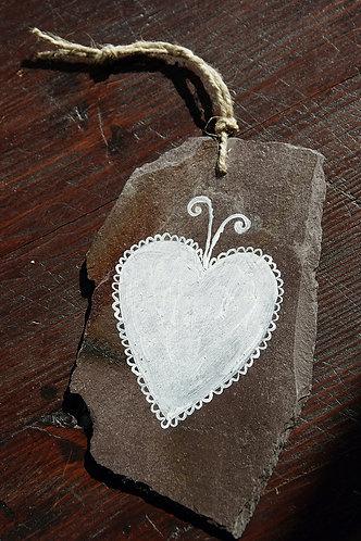 Malowane serce na łupku