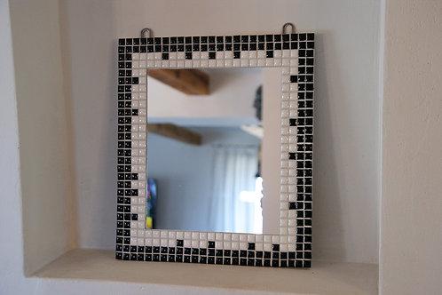 lustro mozaika - BLACK & WHITE - 31 x 35 cm