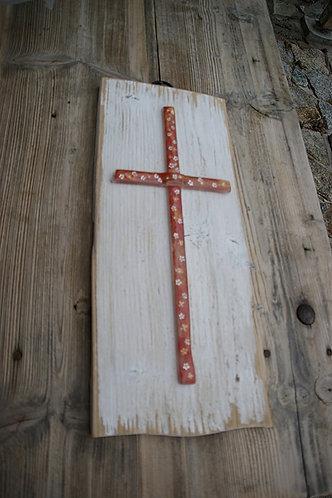 Duży krzyż na desce