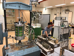Hectic triaxial tests for biopolymer-soils