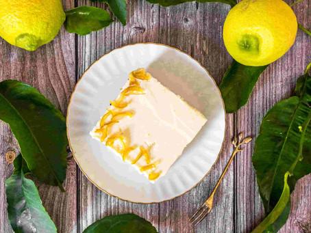 עוגת גבינה ולימון אפויה חגיגית במיוחד
