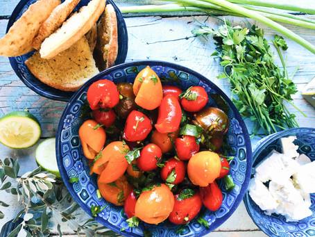 סלט עגבניות שרי מעוכות