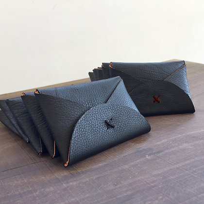 levant black card holder