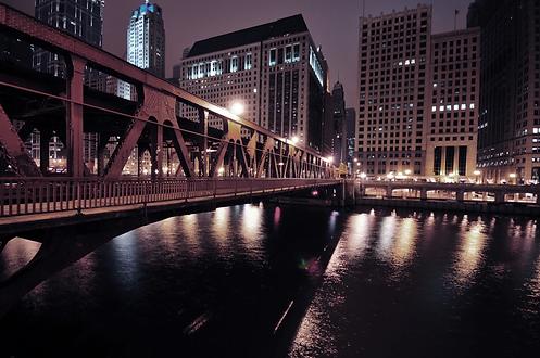 chicago-riverwalk-PEJYEWN.webp