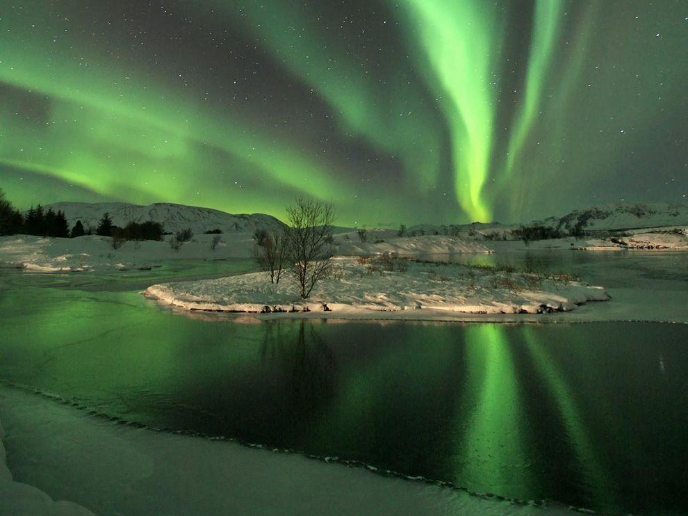 aurora-iceland_35199_990x742