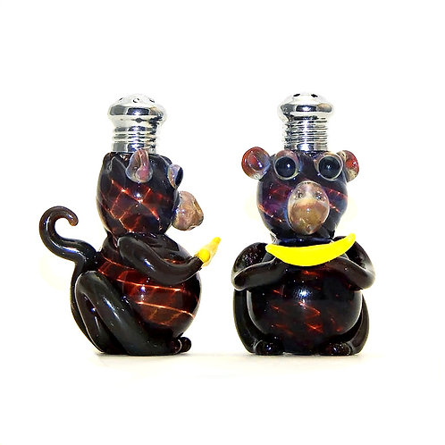 Four Sisters Art Glass Salt and Pepper Shakers