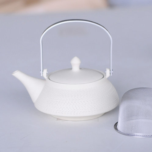 Ceramic tea pot (white/Tokoname ware)