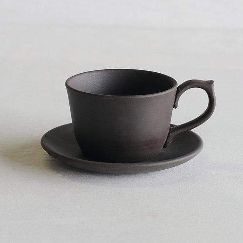 Tokoname ware clay tea cup & saucer (black)