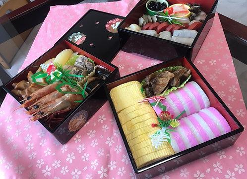 Lacquer celebration 3 tiered box (Rabit)