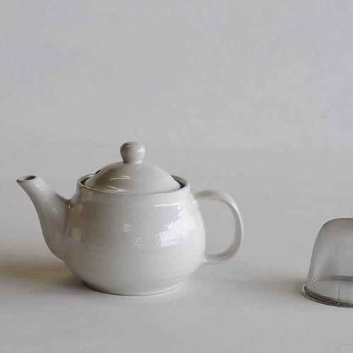 Ceramic tea pot (white)