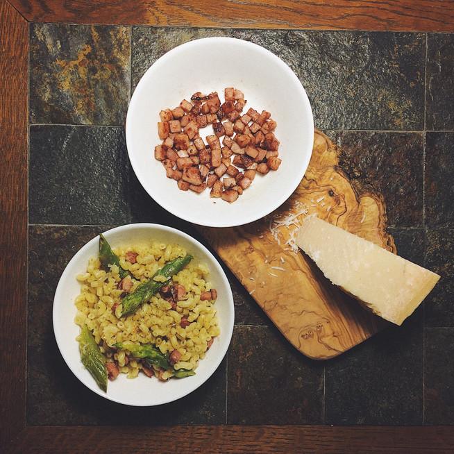 Risotto de coquillettes aux asperges, jambon grillé & parmesan