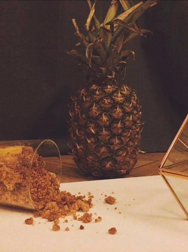 Ananas mariné, crumble de speculoos