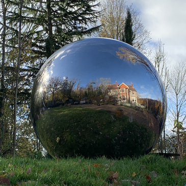 Highly polished stainless steel sphere