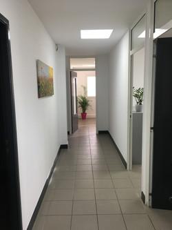 Couloir L'Atrium 100 Route de Nimes CAISSAGUES