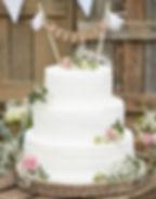 bandeirolas-topo-de-bolo-casamento.jpg