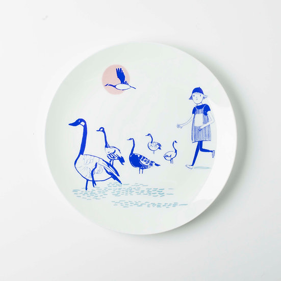 Goose Chase 21cm Coupe Plate