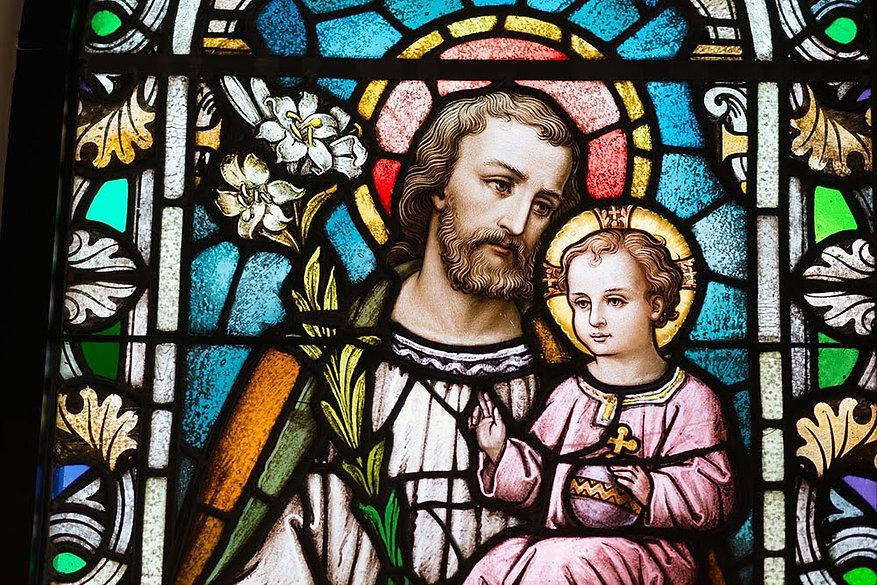 São José e Menino Jesus - vitral.jpg