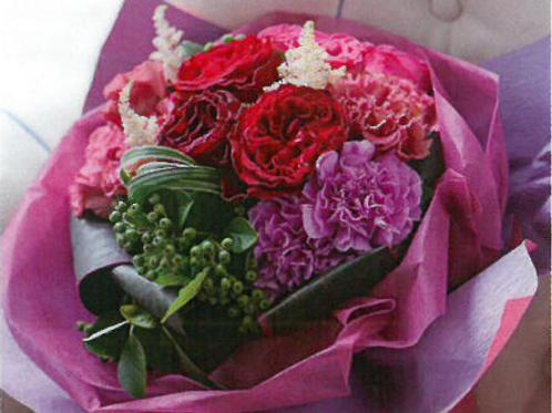 赤バラとピンクパープルのラウンドブーケ