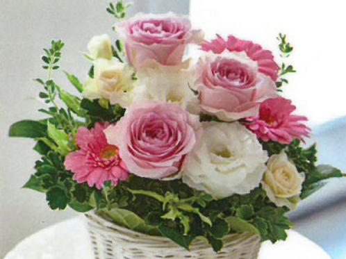 ピンク&ホワイトローズのアレンジメント