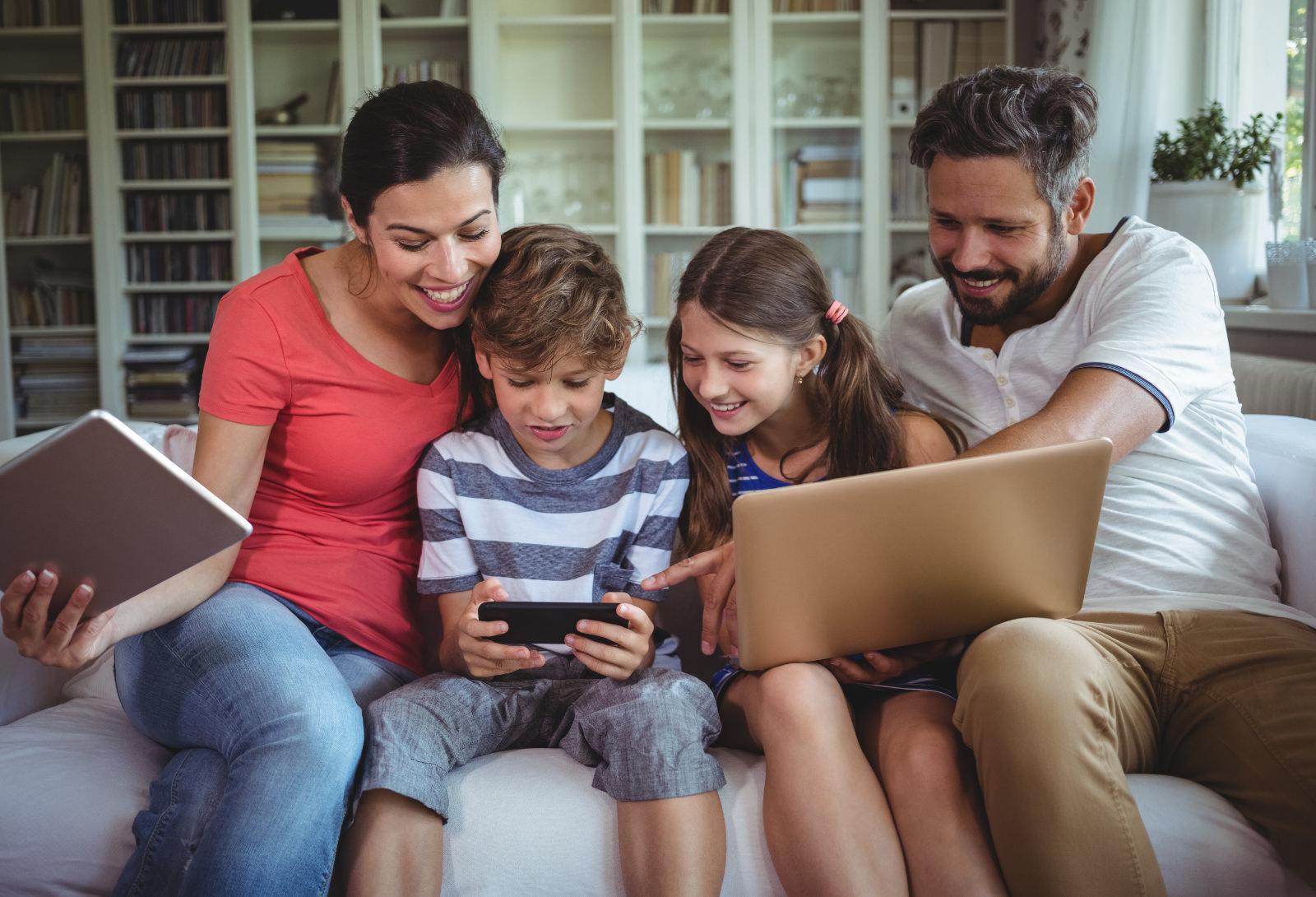 internet-plans-residential-family-on-sof